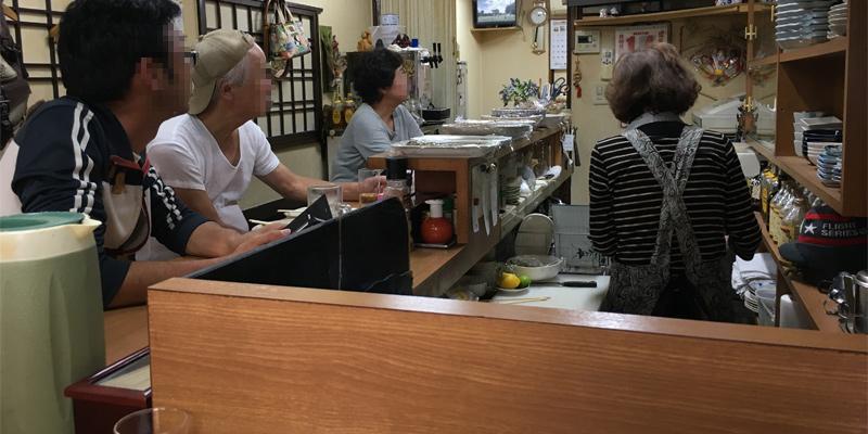 お好み焼きやす子の店内
