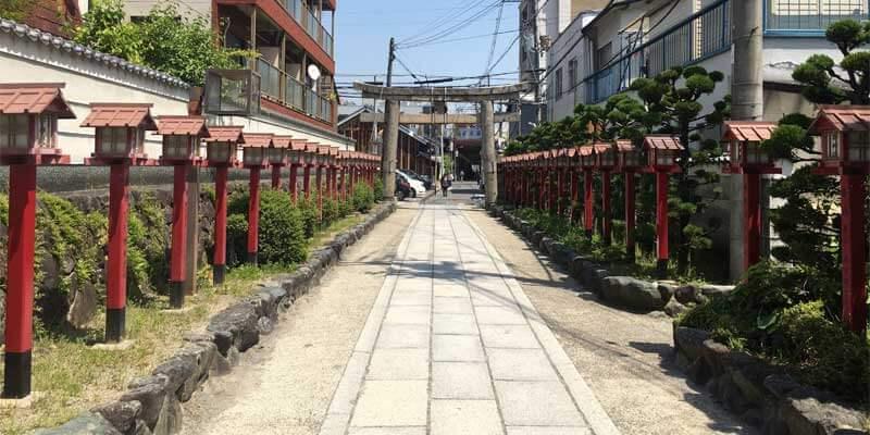茨木神社の境内2