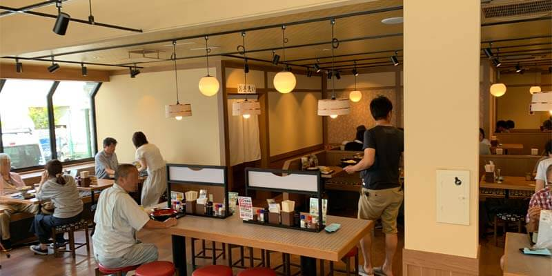 香の川製麺の店内