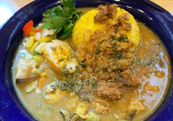 茨木市『スパイスカレー 旬香唐 総持寺店』濃厚な魚介系カレーがおいしい!食べれるのは土曜日だけ!