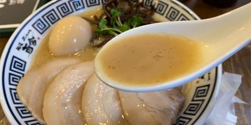 特製たまり醤油の極み煮干しそばのスープ