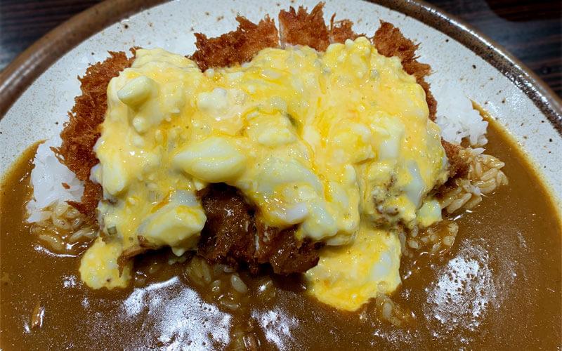 チキンカツカレー+半熟タマゴのタルタルソース