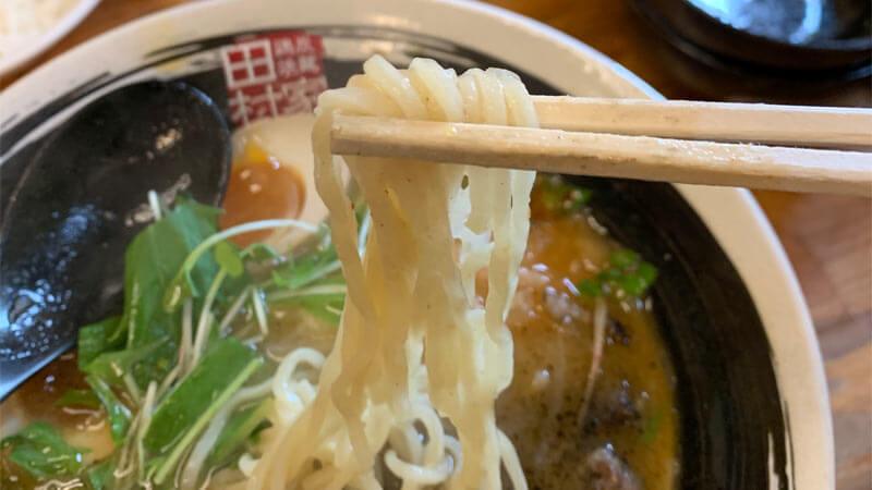 麺は細麺か中太麺