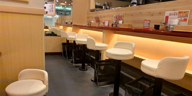 天ぷら食堂 おた福の店内