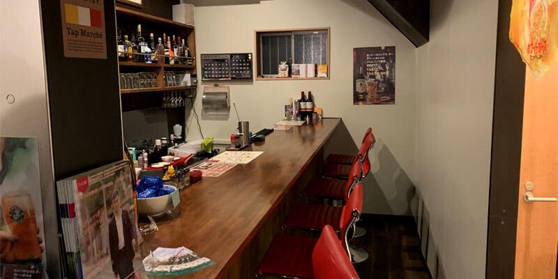 mr.kanso阪急茨木店のカウンター席、テーブル席に分かれています。