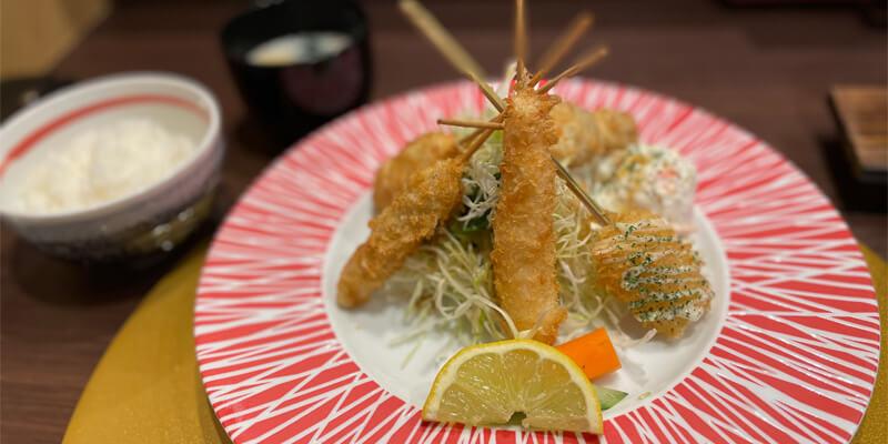 『串やでござる茨木店』おいしい串揚げランチ!高級感ある店内で贅沢なランチタイム