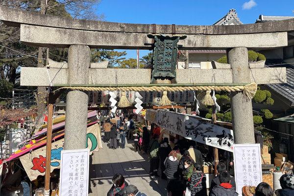 茨木神社で十日戎。『茨木十日戎』の雰囲気や混雑の様子をご紹介します。